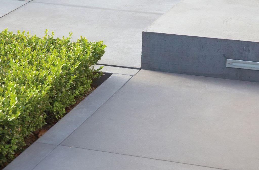 Gartengestaltung mit Beton: Betonstufe